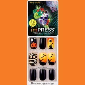 ImPRESS • PRESS ON Halloween Nails • GITD